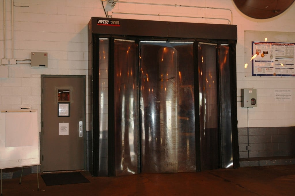 Fast-Fold High Speed Folding Door